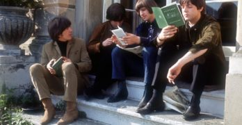 Beatles Leyendo Teecketing